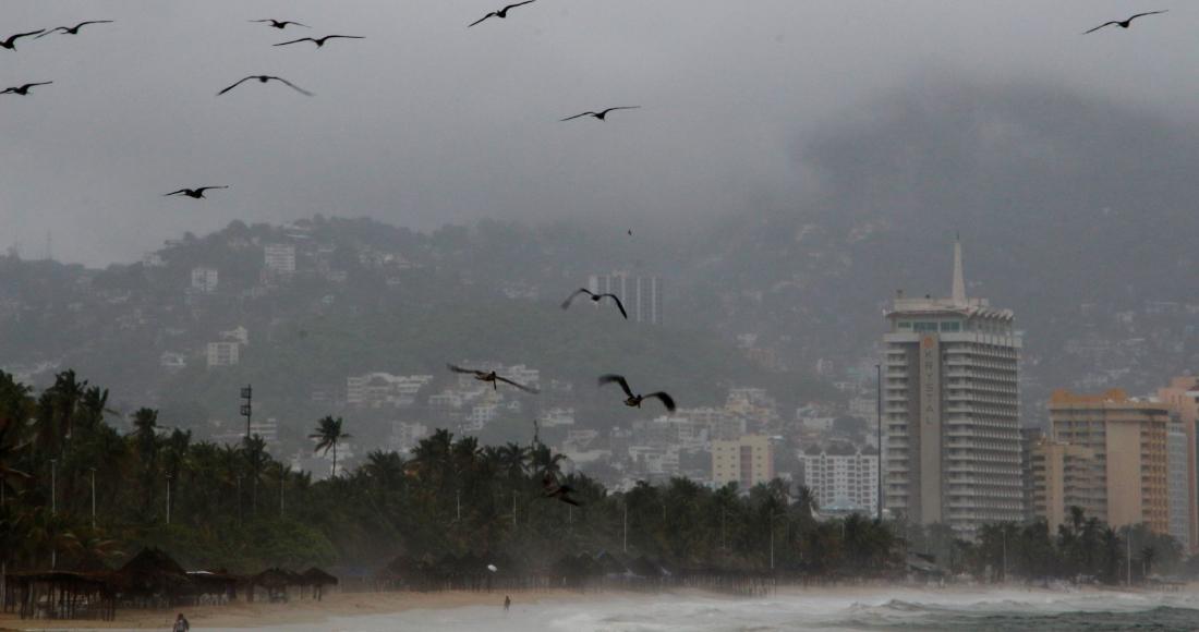 """huracan enrique cuartoscuro - El huracán """"Enrique"""" provoca estragos en costas mexicanas"""