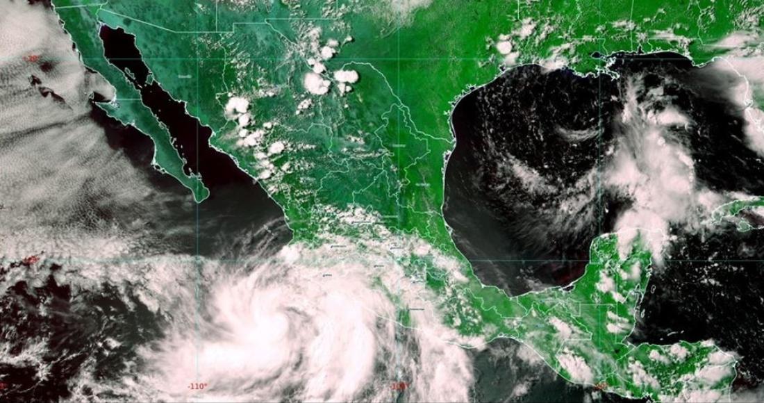 """huracan enrique - El huracán """"Enrique"""" provoca estragos en costas mexicanas"""
