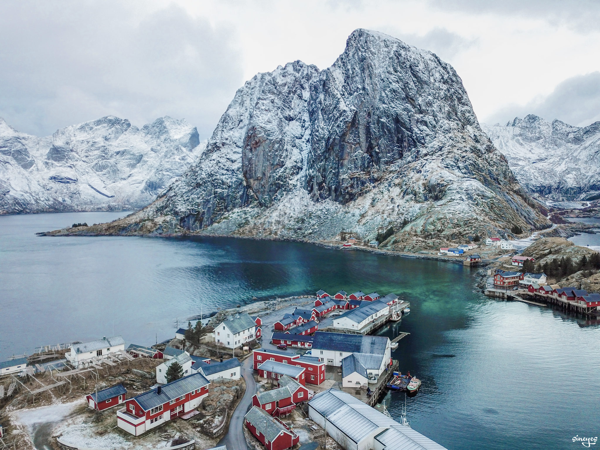 Hamnoy view - iles lofoten, Norvège by sineyes