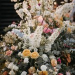 Exlosion of flowers in an ourdoor wedding