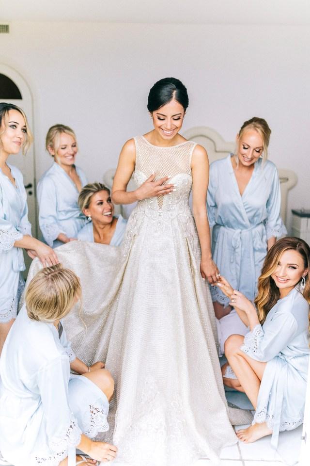 Bride with bridesmades
