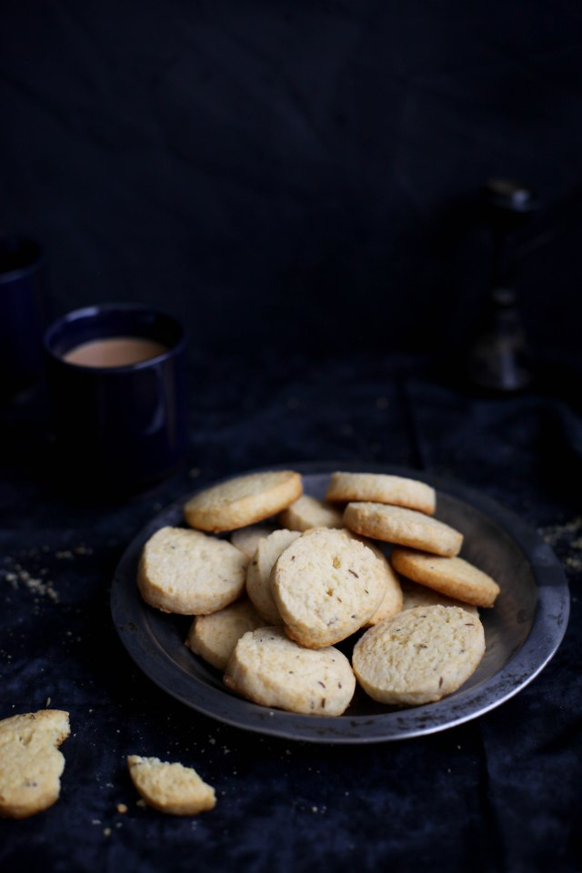 Sinfully Spicy :Jeera Biscuits 004 (Buttery Cumin Cookies)