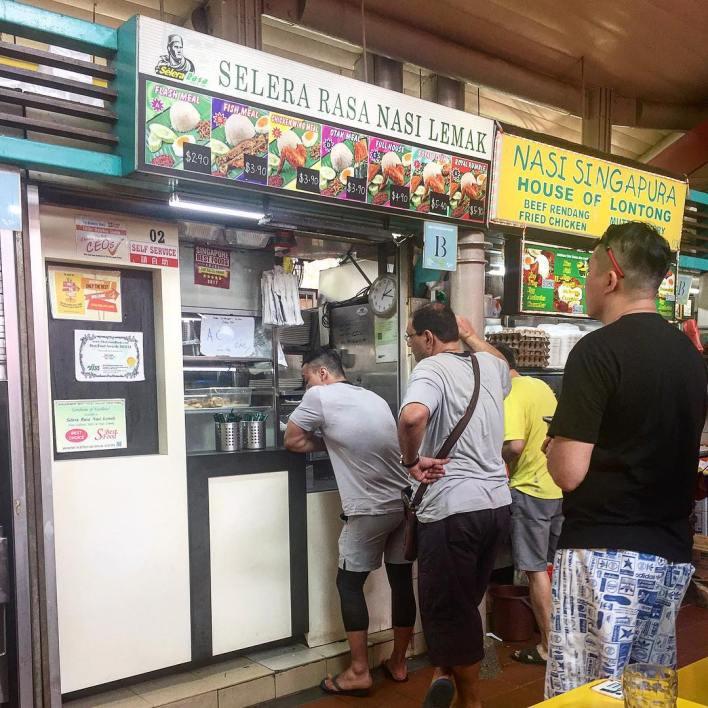 local breakfast spots in singapore