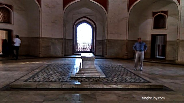 The main hall at Humayun's Tomb with the Cenotaph