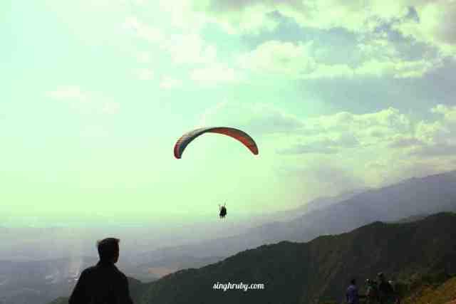 Let go fly at Bir