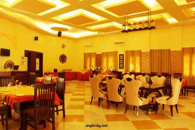 dining-area-of-syna-heritge-hotel
