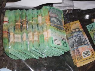 303376-money