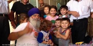 khalsa-aid-ceo-ravi-singh-helping-yazidi-regugees