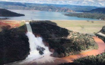 Oroville dam floods california