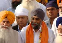 Harjit Singh Sajjan visits harmandir Sahib