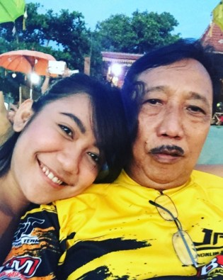 Perkenalkan Retno Astriani... Anak Doyok Yang Gak Mirip Doyok 9