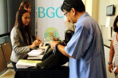 Mr. Rene Villarta at the registration area at Seda Hotel, BGC.