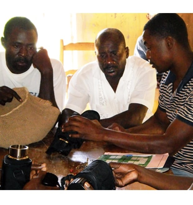 Haitian agronomists train farmers