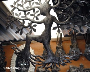 How Haitian metal art is made