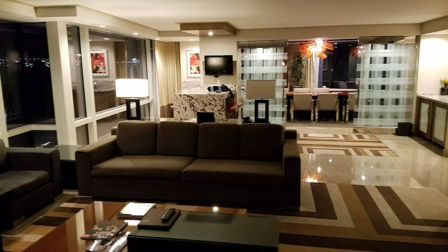 Aria Executive Hospitality Suite Review  SingleFlyer
