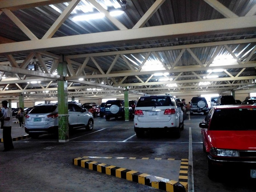 Car fell Greenhills carpark inside