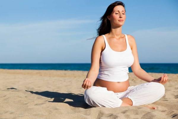 dau lung khi mang thai, yoga cho ba bau, yoga giam dau lung hieu qua, yoga giam dau lung khi mang thai, dau lung