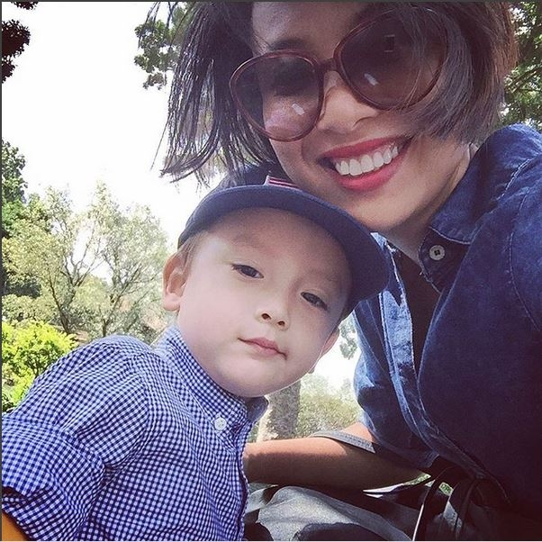 Nét đẹp rất tây của Linh Louis (Nguồn: Instagram Thùy Minh)