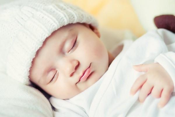 Những việc mẹ bầu nên làm để sinh con da trắng, dáng cao