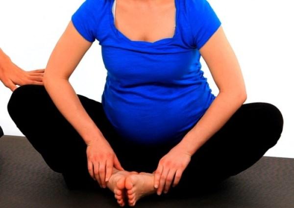 4 bài tập đơn giản khi mang thai giúp mẹ bầu sinh thường dễ dàng hơn