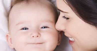 Những điều cần biết về sữa mẹ sau 6 tháng