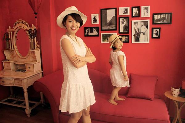 Mi Vân và con gái Bào Ngư.