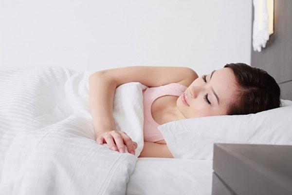 Bà bầu nên nằm ngủ như thế nào trong từng tam cá nguyệt?