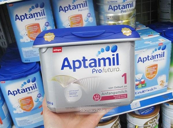 Tìm hiểu sữa bột Aptamil Anh với Aptamil Đức