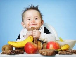 Mách mẹ thực đơn ăn dặm từ trái cây cho trẻ 6-8 tháng tuổi