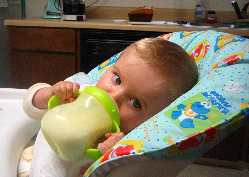Trẻ sơ sinh dùng sữa nào tốt?