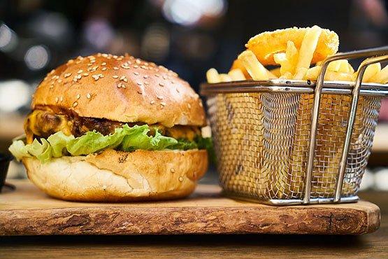 Super cheeseburger recipes, an American icon