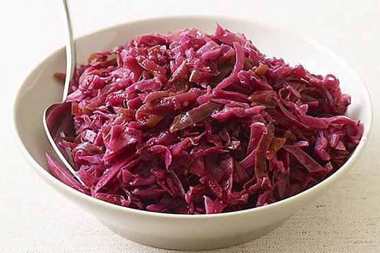 Recipes with red cabbage . Braised Red Cabbage and Apples