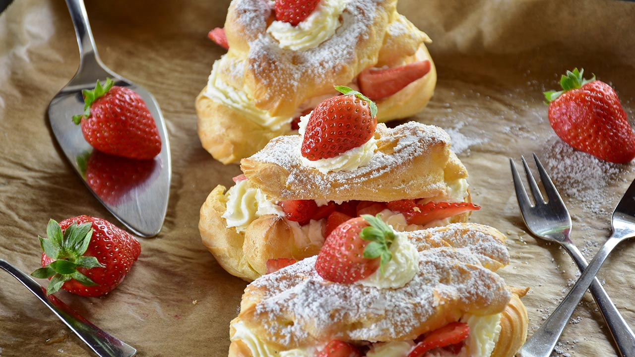 Recipes with whipping cream. Delicious Desserts to Try.