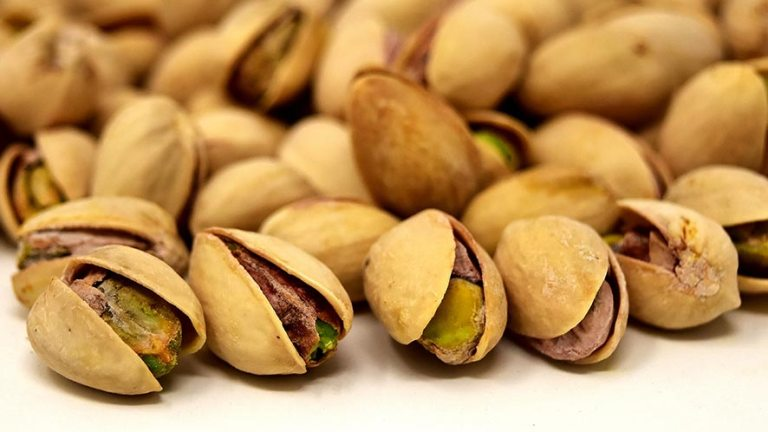 Pistachio Nutrition Facts and 7 Health Benefits