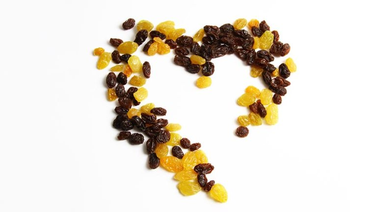 Raisins Nutritional Value and 19 Health Benefits