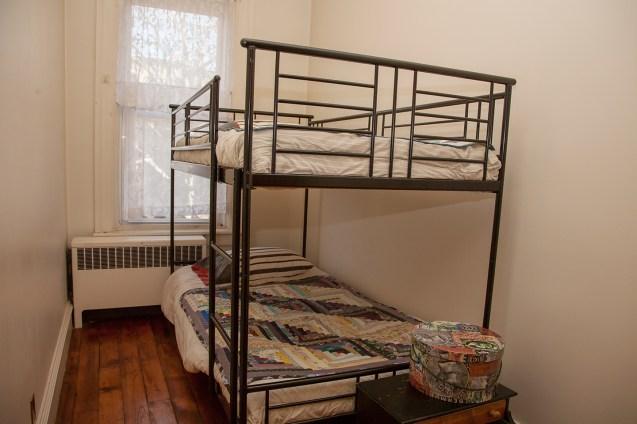 1131 Garden St. - guest room