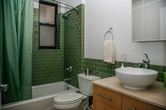 717 Willow bath-