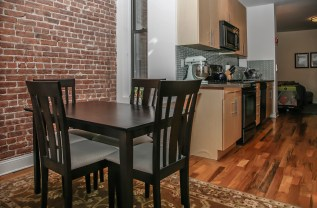 717 Willow dining-