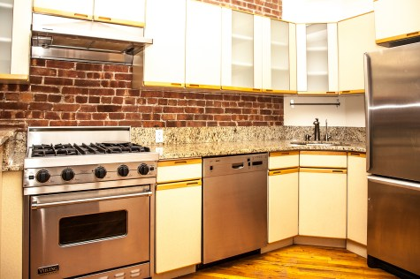 123 Willow Ave 1 - kitchen