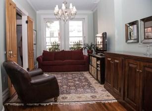 1009 Bloomfield St - living room
