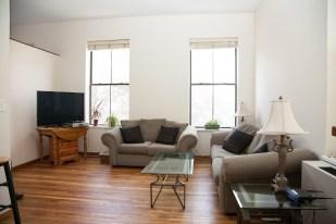 41 1st St 2e - living room