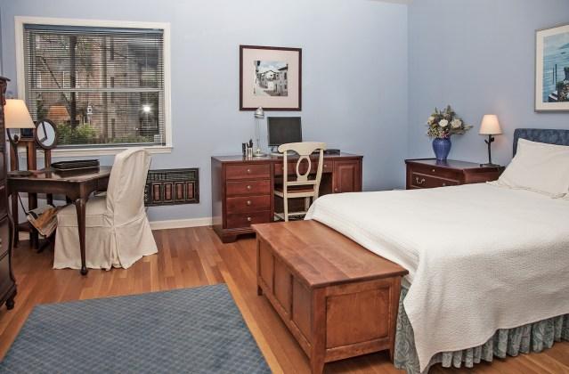 828 Hudson St 1 - bedroom