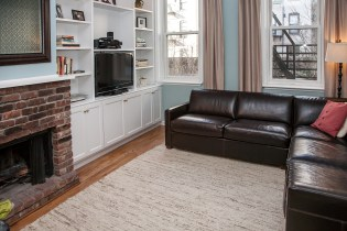 926 Willow Ave #1 - Living Room