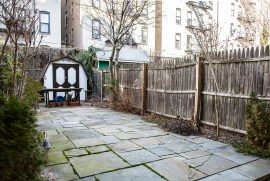 926 Willow Ave #1 - Yard
