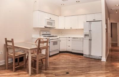 930 Hudson St 4 - kitchen