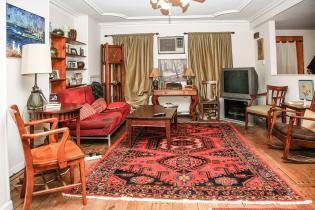 1021 Garden Street living room