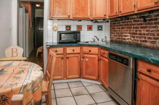 1248 Bloomfield St 2 kitchen