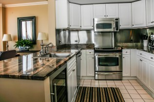 2 Constitution Ct 1003 - kitchen