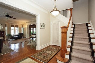 926 Castle Point Terrace - stairs