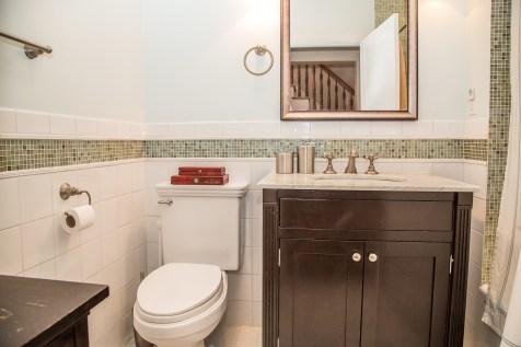 1249 Garden St - bathroom